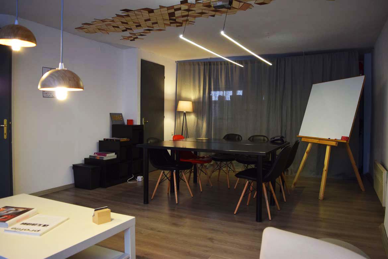 ΜΑΚΕ meeting room