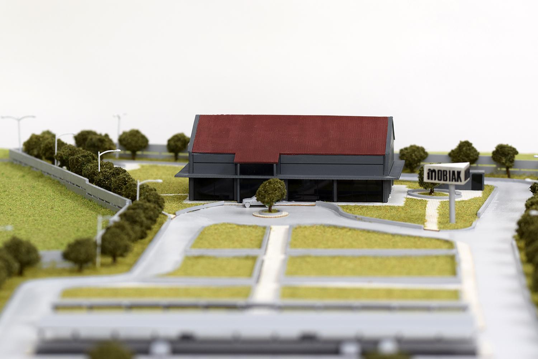 make mobiak scale model